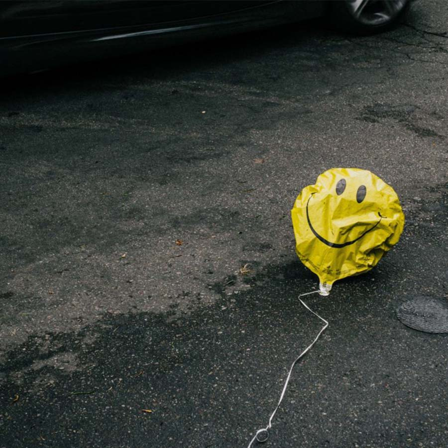 deflated-balloon-900×900